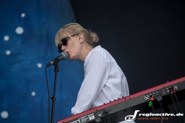 live am festivalsamstag in neuhausen ob eck - Southside Festival 2013: Fotos von Shout Out Louds & Tame Impala